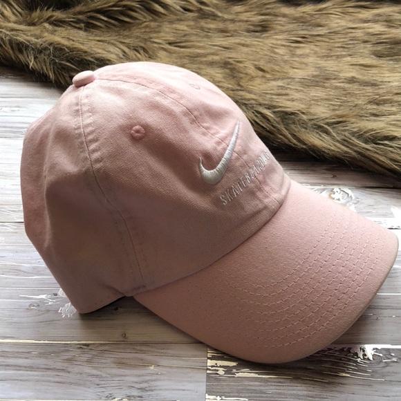 f06d07c77fc8b BABY PINK NIKE DAD HAT! M 5c291a34c89e1d7ec4c5a32a